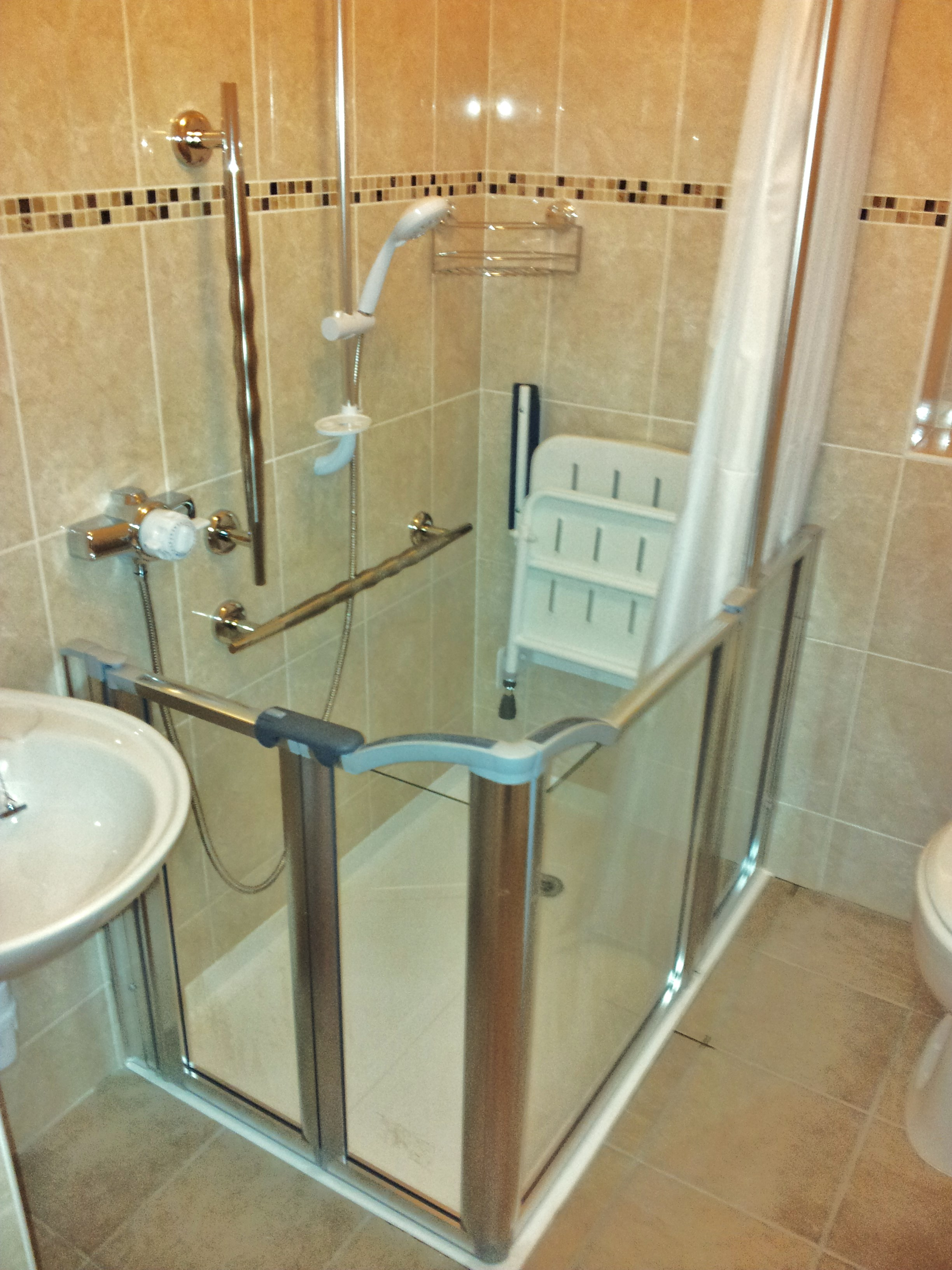 Disabled bathrooms less abled bathrooms disability - Accessible bathrooms for the disabled ...